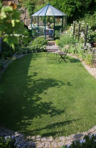 havedesign i Svaneke efter haveplan af Frank Kirkegaard
